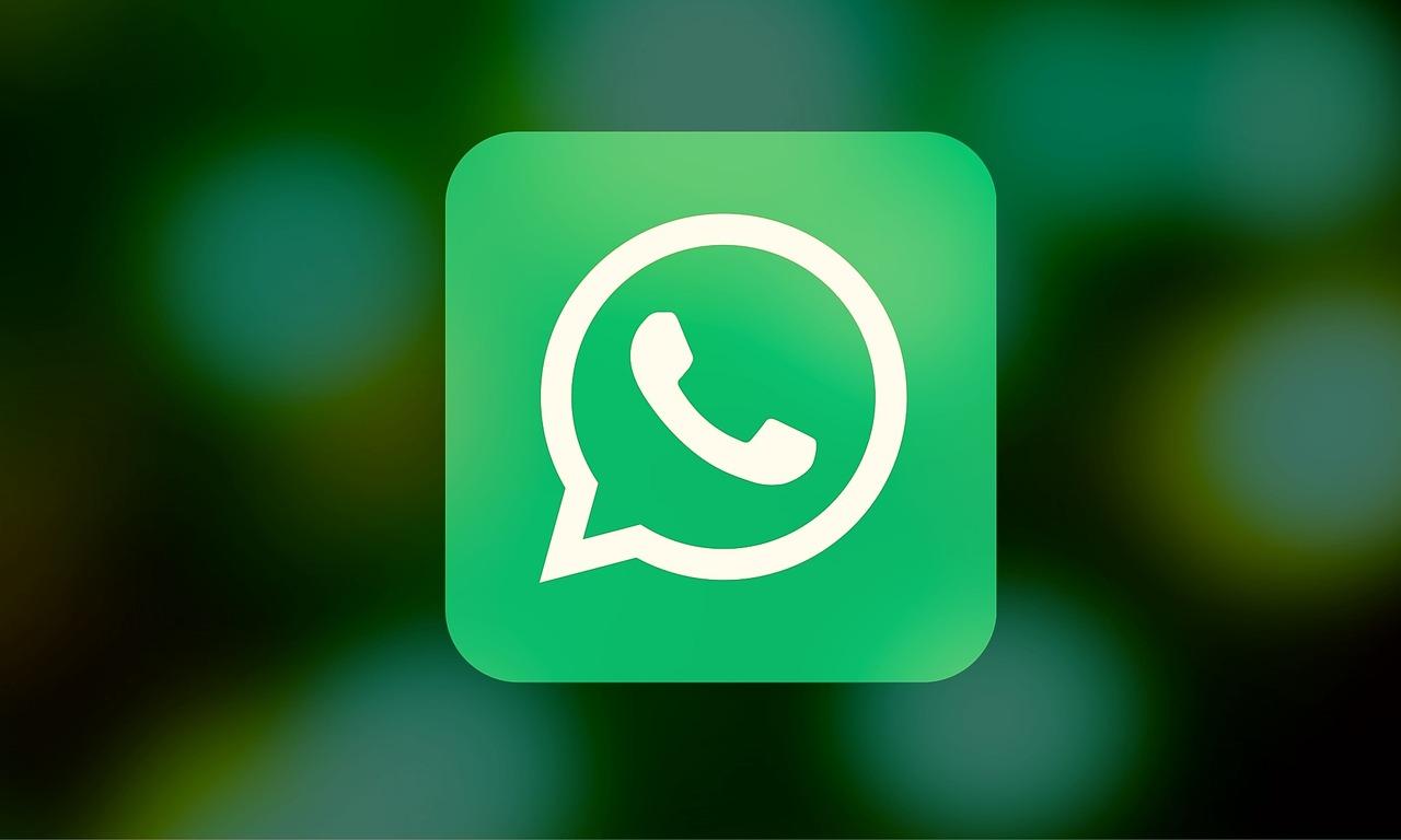 Cara membuat Tulisan Tebal, Miring, Coret di Whatsapp 1